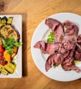 ristorante borgo nomplan ravascletto comeglians roastbeef con verdure alla griglia