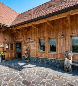 ristorante borgo nomplan povolaro comeglians ravascletto esterno vista 01
