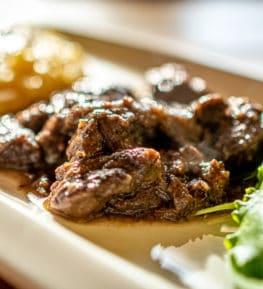 ristorante borgo nomplan ravascletto comeglians spezzatino di cervo con polenta